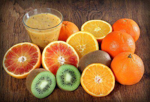 фрукти багаті на вітамін С