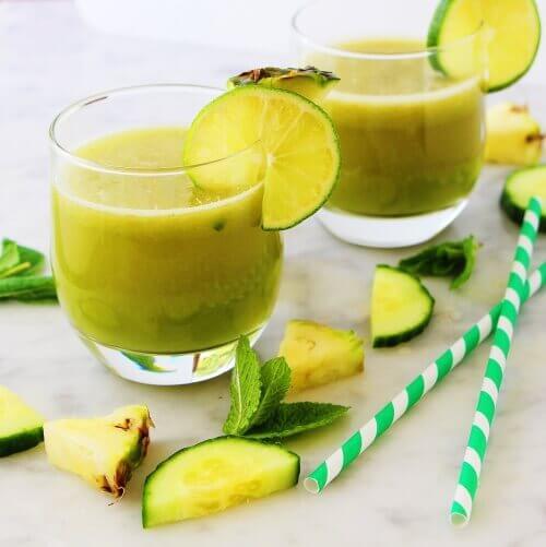 коктейль з ананасом