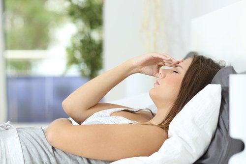 жінка відчуває втому