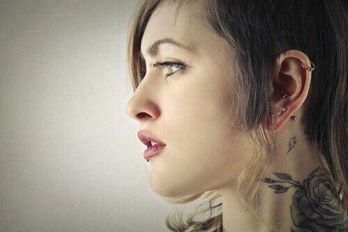 Форма вуха ідентифікує людину