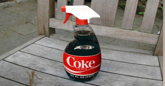 використання кока-коли в саду