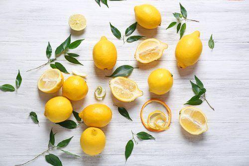 лимон для виведення плям з одягу