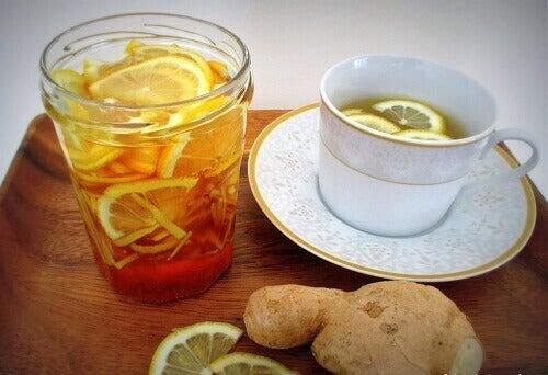 напої для схуднення з лимоном