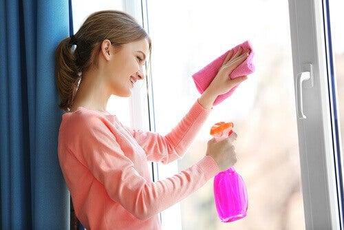 використання кока-коли для миття вікон
