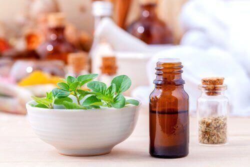 олія орегано, щоб лікувати дріжджову інфекцію