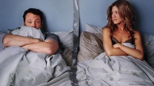 Інколи спати окремо – корисно для ваших стосунків