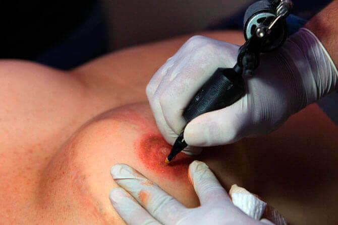 татуювання грудей