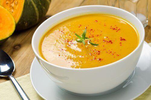 Супи для схуднення: 5 смачних та ефективних рецептів