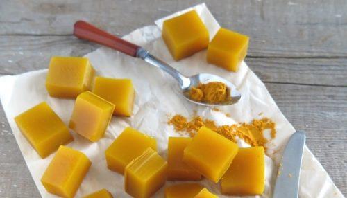 Чудовий протизапальний засіб з медом, куркумою та желатином