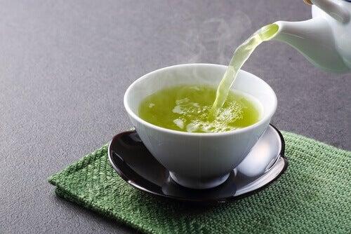 зелений чай допоможе знизити рівень цукру в крові