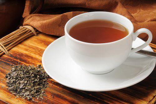 домашні чаї проти розладів травлення