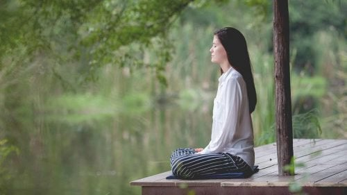 Забудьте про безсоння за допомогою цих п'яти дихальних технік