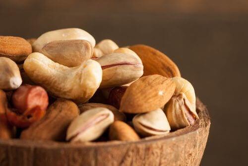 Чому горіхи та насіння варто замочувати перед вживанням?