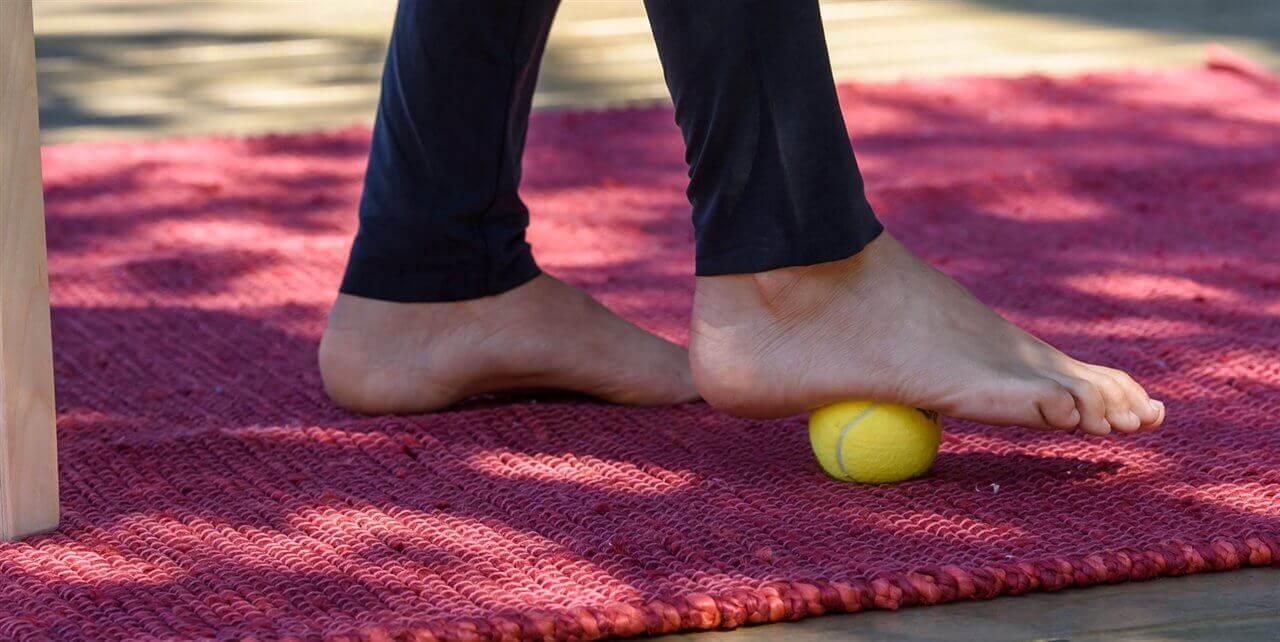 вправи для лікування підошовного фасціїту