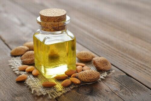 мигдальна олія для видалення вушної сірки