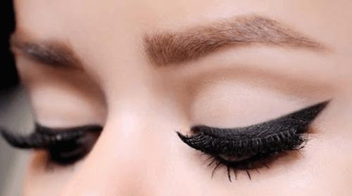 10 порад щодо нанесення підводки для очей