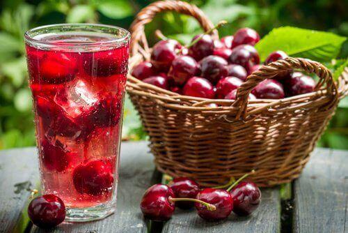 вишневий сік допоможе боротися з безсонням