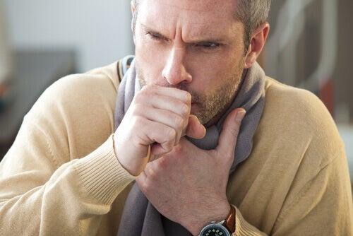 кишкові черв'яки викликають сухий кашель