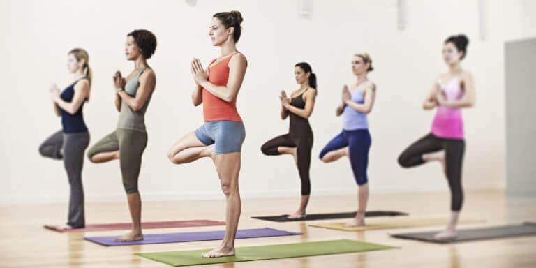 групові заняття з йоги для втрати ваги