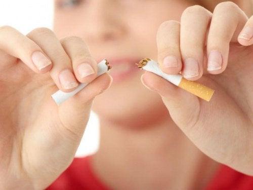 Як кинути палити за допомогою 15 психологічних технік