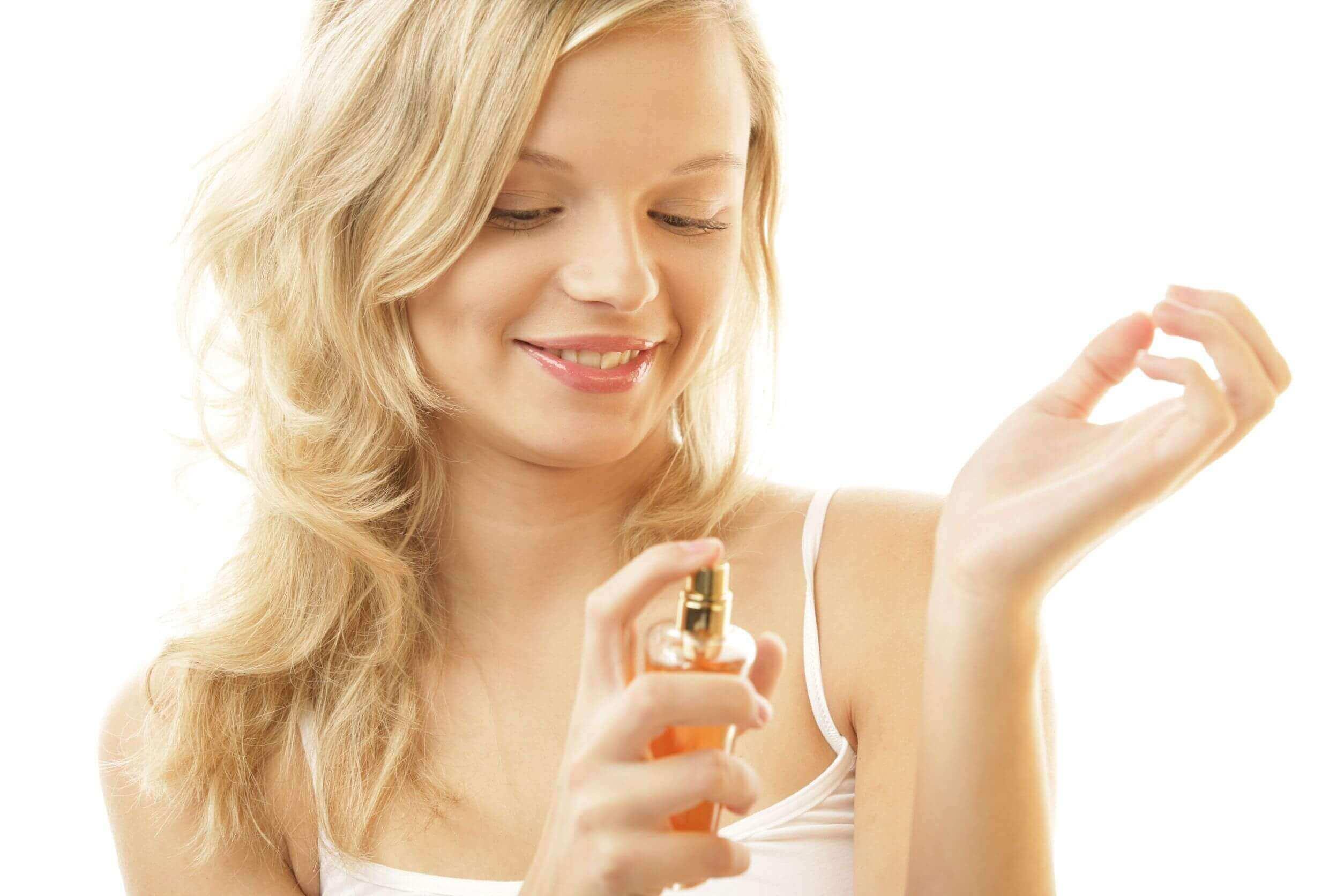 запах парфумів тримається довше