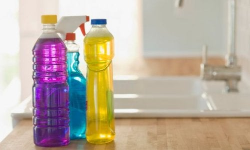 як зберігати пластикові пляшки