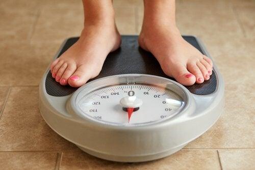 зміна ваги є ознакою розладу щитоподібної залози