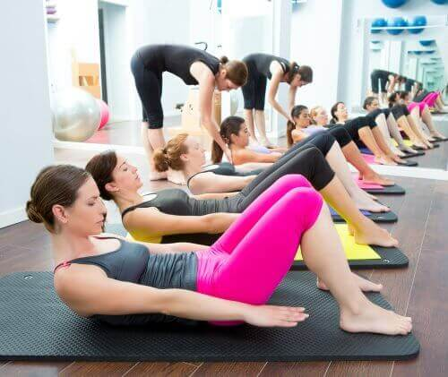 йога для лікування болю в колінах