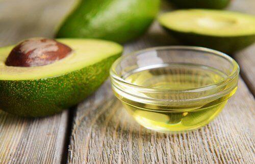 авокадо та вітамін Е для красивих кучерів