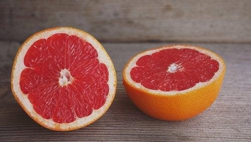 грейпфрут допомагає при набряках
