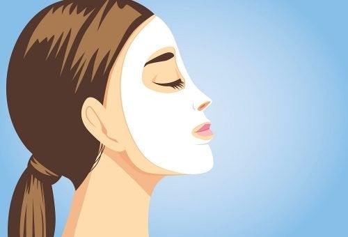 Натуральні косметичні маски для блиску шкіри