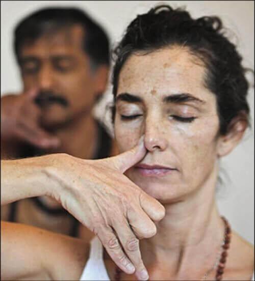 змінне дихання носом