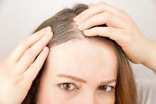5 трав і спецій для покращення росту волосся
