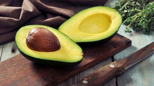 авокадо для живлення волосся