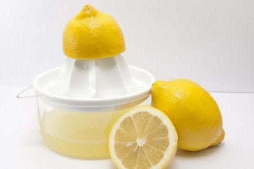 лимонний сік і петрушка