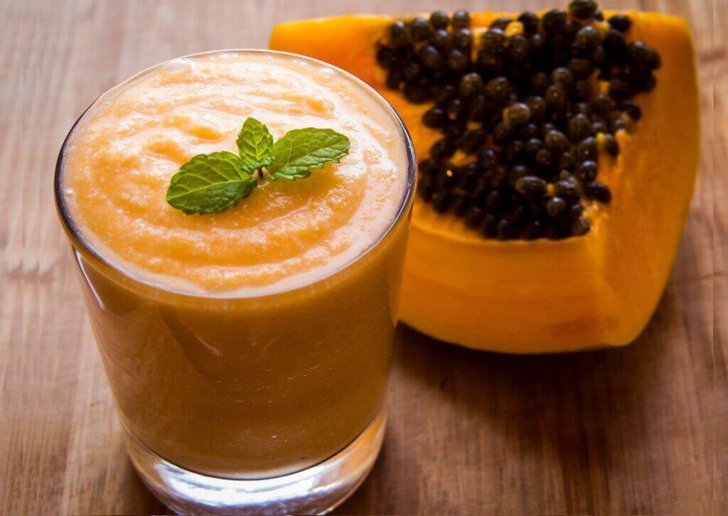 Детокс-напої для схуднення з папаєю