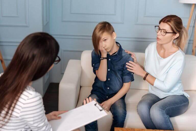 як спілкуватися з дитиною-психопатом