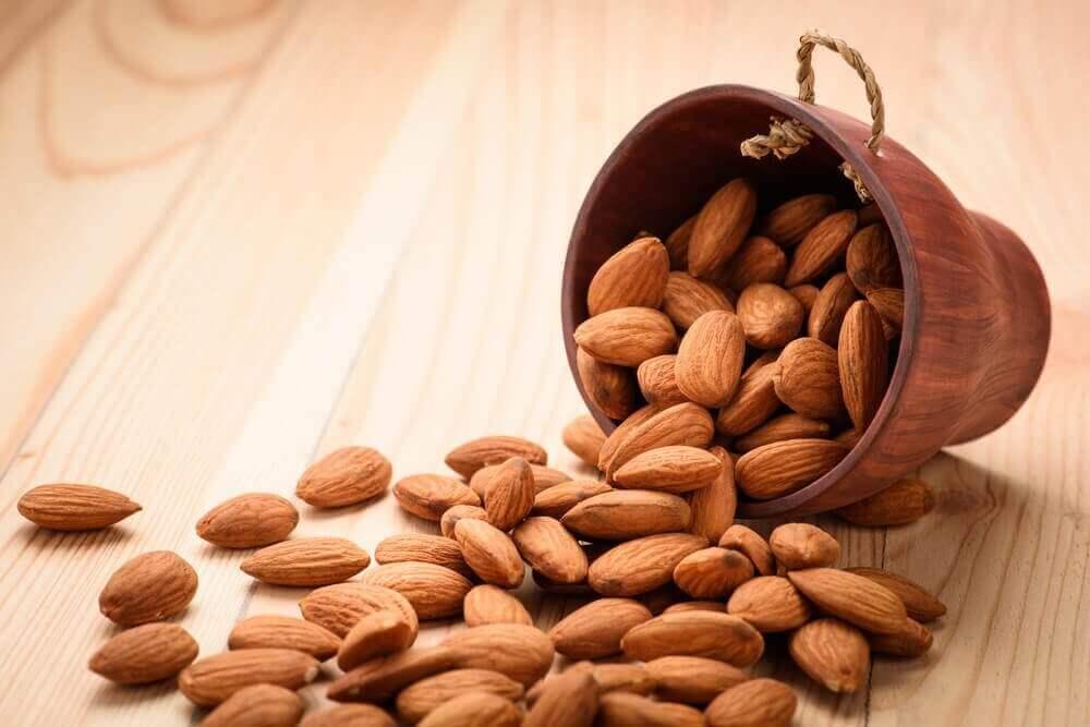 Щоденне споживання мигдалю: переваги для організму