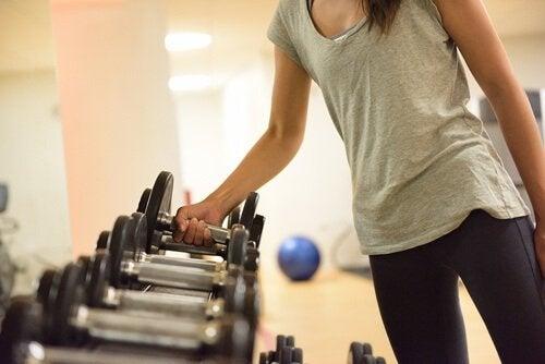 набір маси та схуднення за допомогою тренування