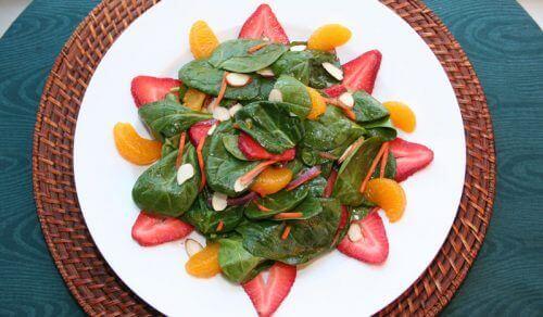 використання мандаринів у складі салатів