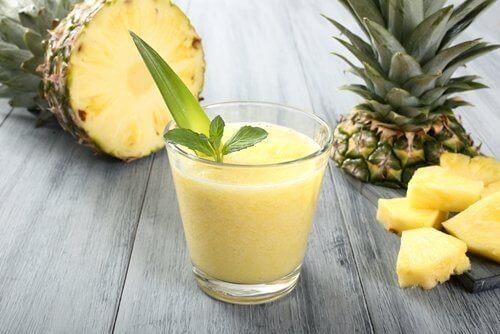 як приготувати смузі з ананасом та імбиром