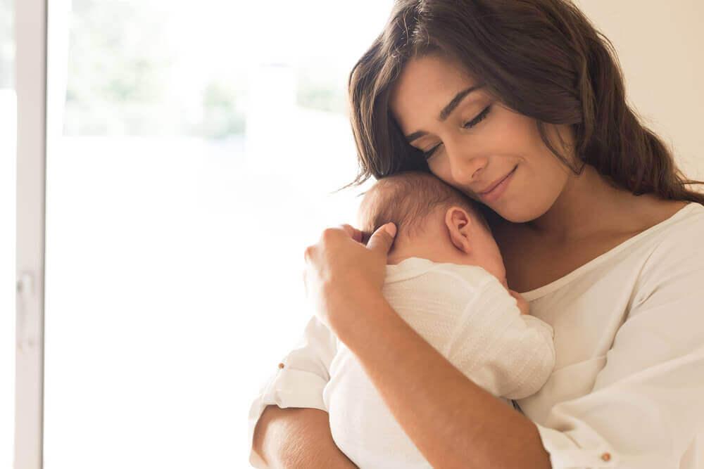 емоційна стабільність і материнство після 35