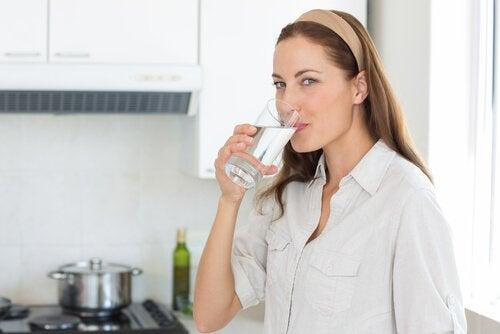 вода підвищить низький кров'яний тиск