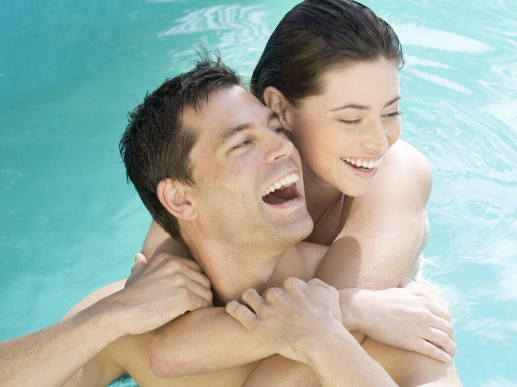 займатися сексом в басейні