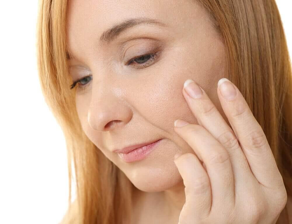 використання капсули вітаміну Е для антивікового крему