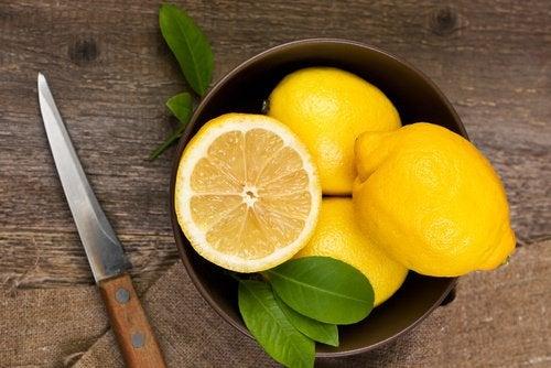 лимон як інгредієнт напою каррулім