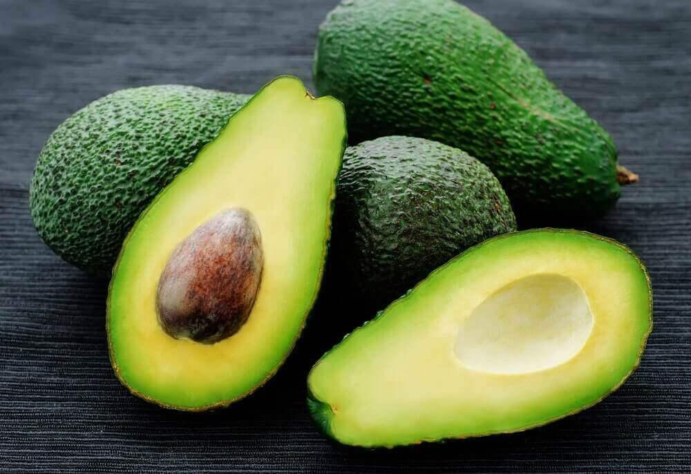 інгредієнти для гуакамоле