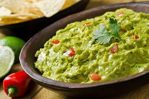 Спробуйте цей смачний рецепт домашнього гуакамоле