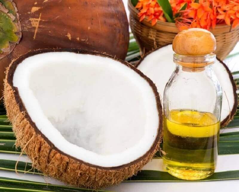 кокосова олія для освітлення волосся