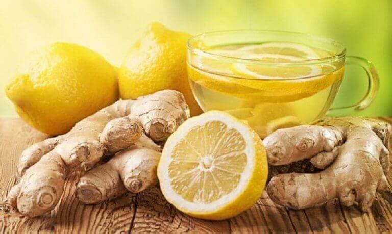 чай з лимоном та імбирем для очищення печінки